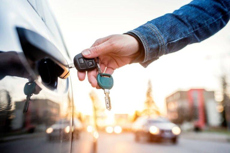 Besoin d'un véhicule… Alors véhicule professionnel ou véhicule personnel ?